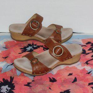 Dansko Leather Upper Women size 39/ US 9 Sandals